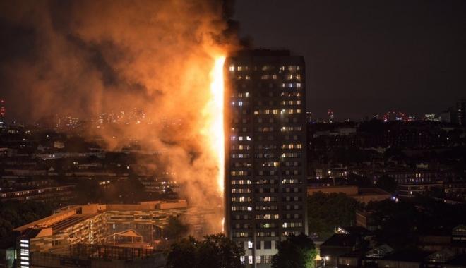 BILANŢUL TRAGEDIEI DIN LONDRA CREŞTE DE LA O ZI LA ALTA: 79 de morţi! - towerfire-1497866262.jpg