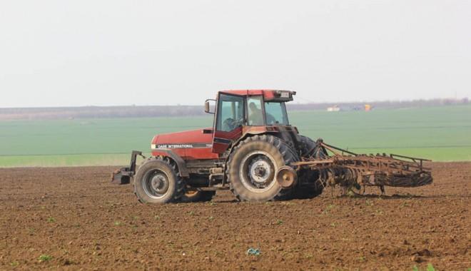 Foto: Agricultorii se tem că vor lua ţeapă cu subvenţionarea accizei la motorină