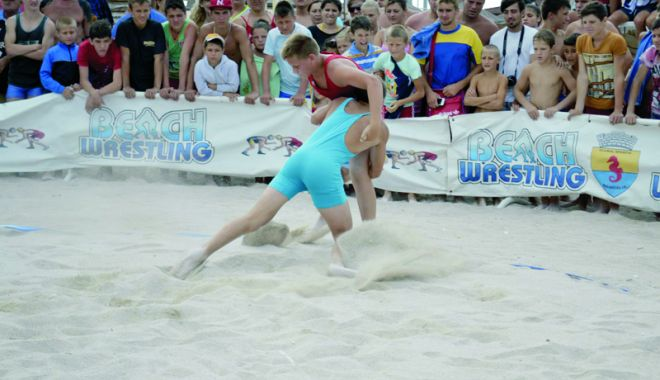 Foto: Tradiţie şi ambiţie! Cupa Callatis la lupte pe plajă, la Mangalia