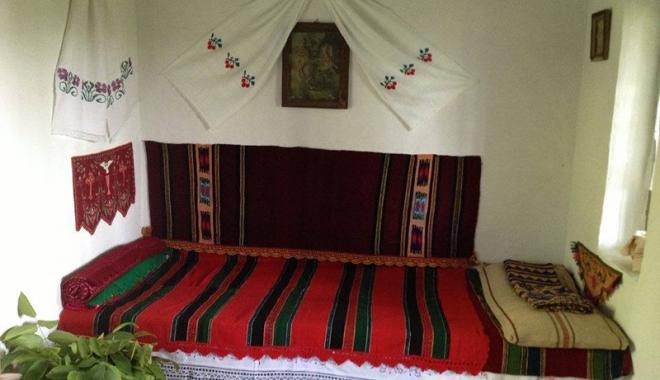 Obiceiuri şi tradiţii de Crăciun, în Dobrogea. Cum se organizau colindătorii pe vremuri - traditii1-1513267827.jpg