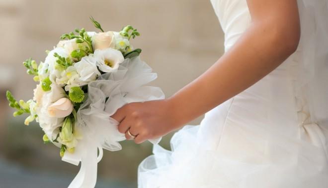 Foto: INS. A început sezonul nunţilor. Câţi români s-au căsătorit în numai o lună de zile