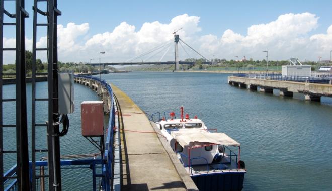 Foto: Traficul de mărfuri pe canalele navigabile este în declin