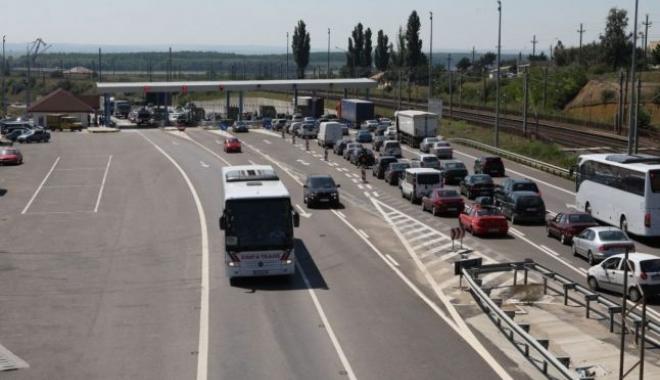 Foto: Traficul rutier oprit pe Autostrada Soarelui