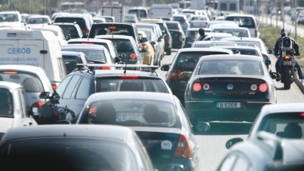 Foto: Trafic aglomerat pe mai multe drumuri naţionale şi autostrăzi