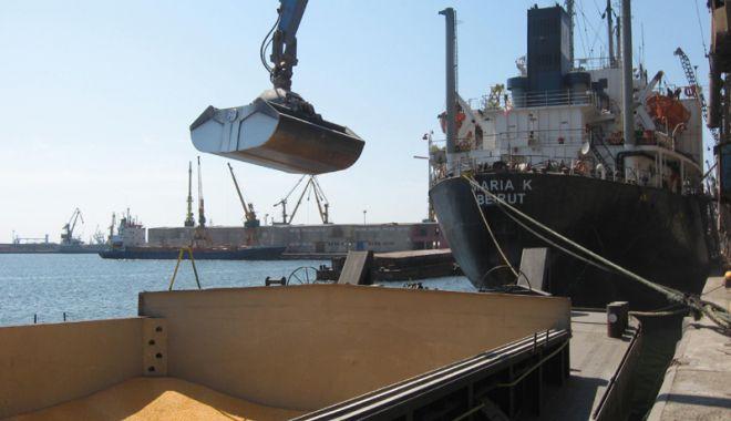 Foto: Porturile maritime românești au manipulat cu aproape  7% mai multe mărfuri