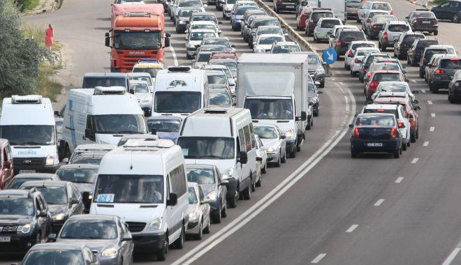 Foto: Trafic de COŞMAR, în drumul către casă! Cum se circulă pe şoselele din Constanţa