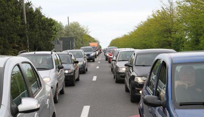Foto: SFÂRŞIT DE VACANŢĂ! Aglomeraţie pe autostradă, şi pe mai multe drumuri naţionale