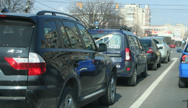 Foto: Piaţa auto din România a înregistrat în mai cea mai mare scădere din Europa