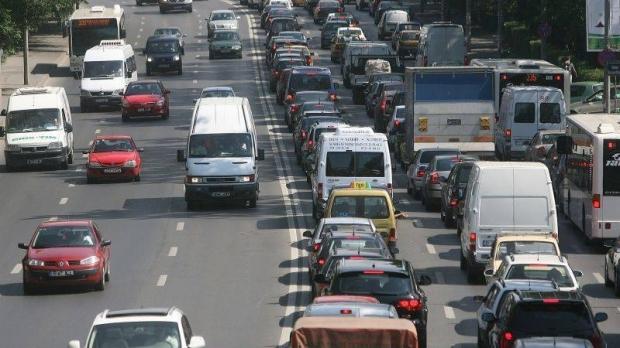 Foto: Pierzi mult timp în trafic pe drumul dintre casă şi serviciu? S-A DECIS ca aceste ore să se scadă din timpul de lucru