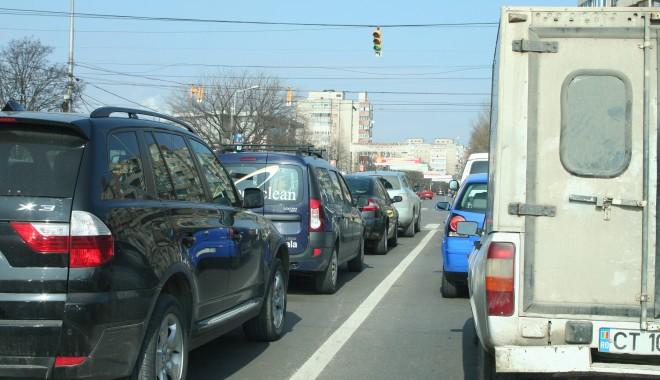 """Foto: Timbrul de mediu a """"omorât"""" piaţa auto"""