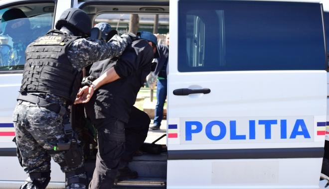 Foto: Percheziții în județul Constanța. 17 persoane reținute pentru trafic de droguri