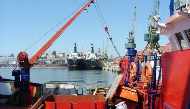 Foto: Traficul de mărfuri din porturile maritime româneşti se apropie de nivelul anului 2016