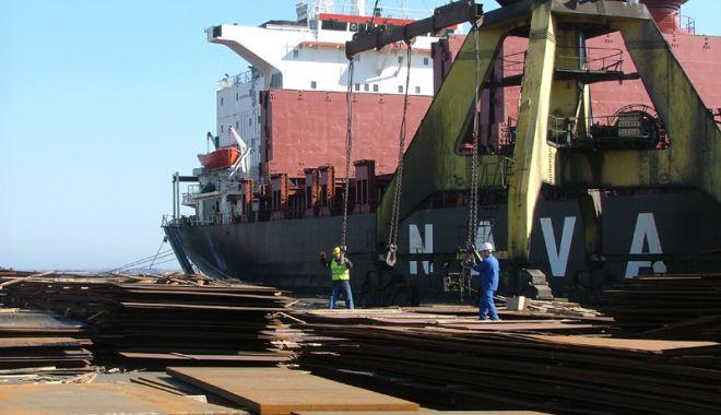 Foto: Porturile maritime românești au manipulat cu peste 37% mai multe mărfuri