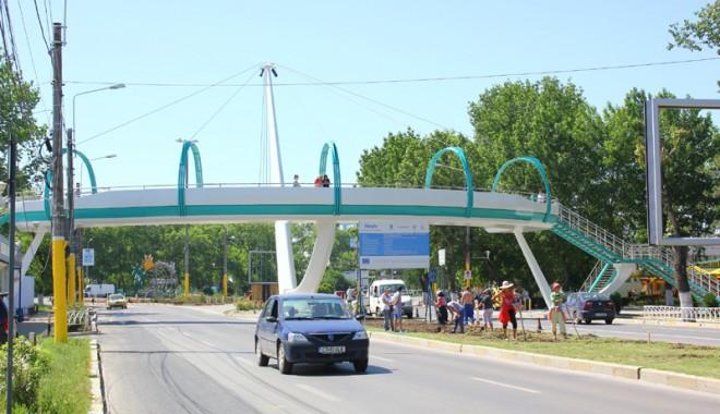 Foto: Trafic rutier deviat în staţiunea Mamaia, pe o porţiune de bulevard