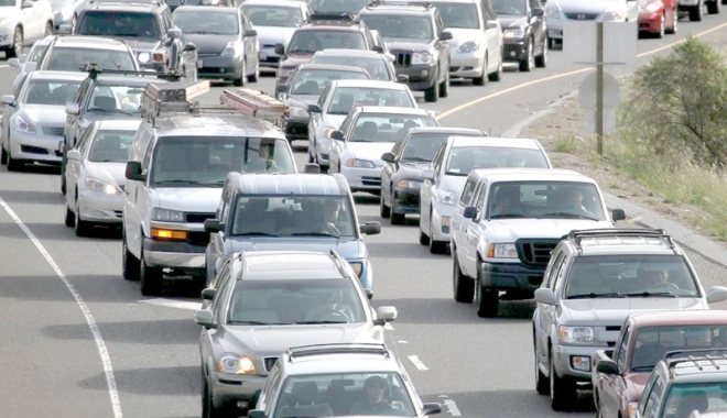 Foto: Veste bună pentru şoferi! Ordonanţa privind restituirea taxei auto, adoptată în Senat