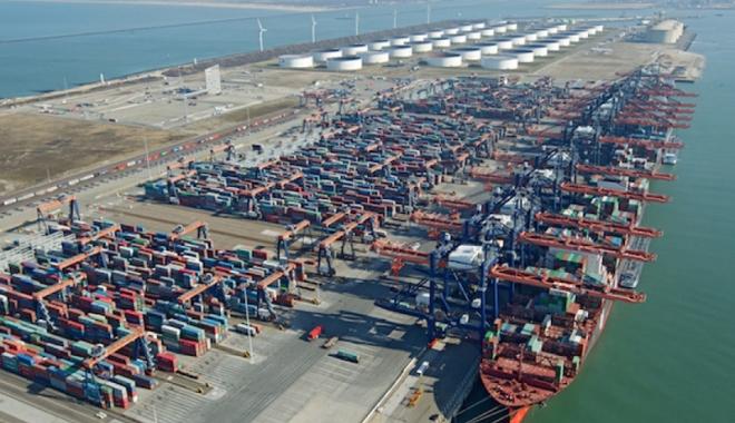 Foto: Traficul de containere în porturile europene  a crescut cu aproape 14%