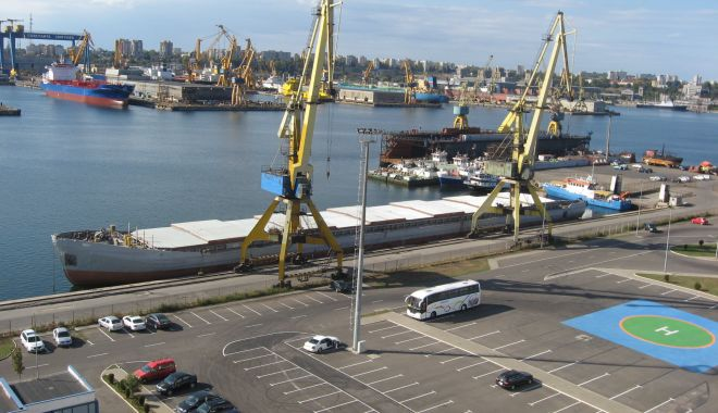 Foto: Traficul de mărfuri din portul Constanța plătește tribut pandemiei Covid-19
