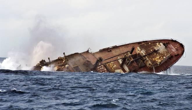 Foto: Tragedie pe mare! DOI MARINARI MORŢI ŞI PATRU DISPĂRUŢI