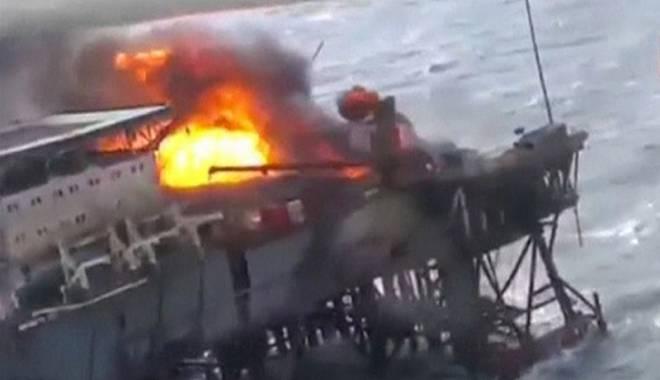 Foto: Tragedie pe o platformă petrolieră  din Marea Caspică