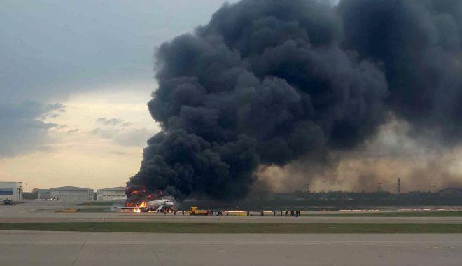Foto: Tragedie pe cel mai mare aeroport din Rusia. Cel puţin 41 de oameni au murit