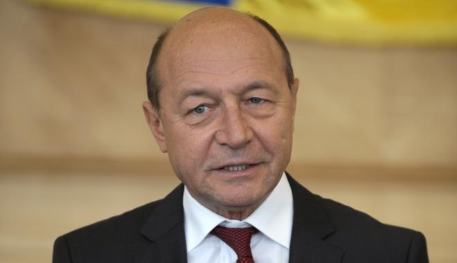 """Foto: Traian Băsescu: """"Klaus Iohannis a regizat o mascaradă la Cotroceni"""""""