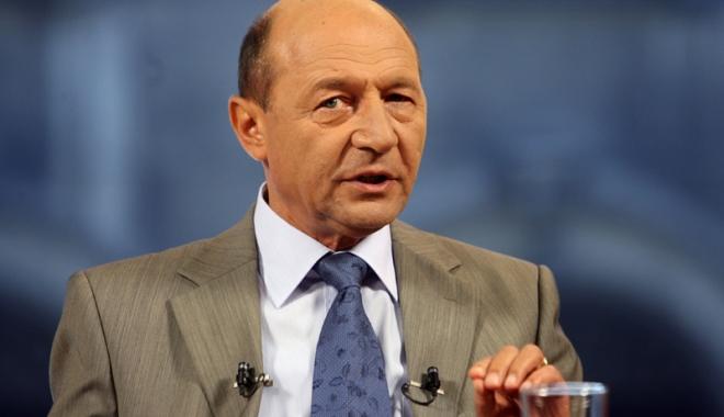 Foto: Traian Băsescu: Pesediştii au ajuns să se dea cu capul de pragul de sus