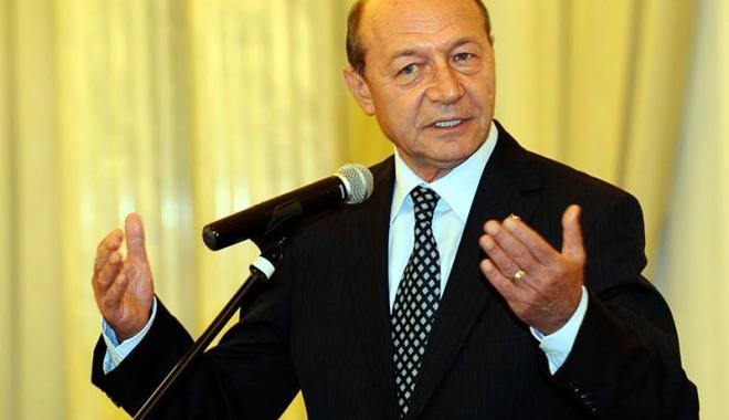 Foto: Traian Băsescu vine la Neptun pentru a le vorbi tinerilor din PMP
