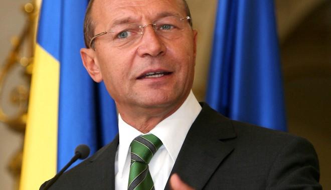 Legea care abilitează Guvernul să emită ordonanțe, promulgată de președintele Băsescu - traianbasescu2-1357300669.jpg