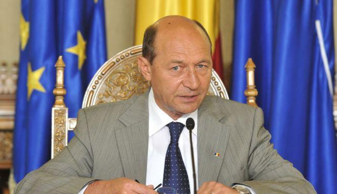 Foto: Traian Băsescu deschide lista PMP la europarlamentare