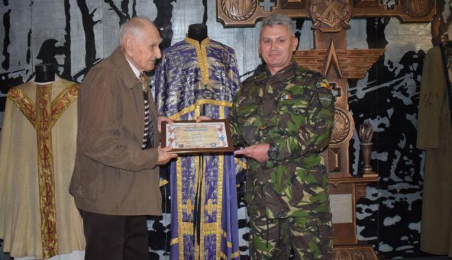 Traian Petcu a donat o troiţă Muzeului Militar Naţional