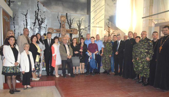 """Foto: Traian Petcu a donat o troiţă Muzeului Militar Naţional """"Regele Ferdinand l"""""""