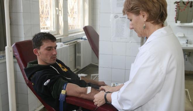 Foto: Sângele înseamnă viaţă. Haideţi să ne ajutăm semenii!