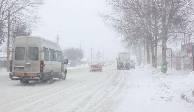 Foto: Ai drumuri de făcut spre Mangalia sau Techirghiol? Iată cu ce autocare mai poţi circula. Operatori care au suspendat cursele!