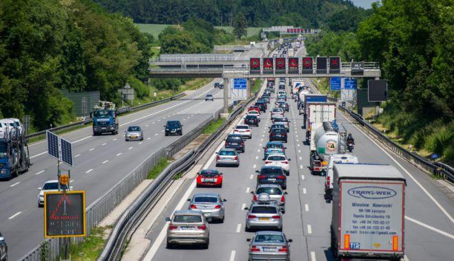 Transportatorii rutieri pot primi bani. Ce au de făcut - transportatoriirutieripotprimiba-1606849590.jpg