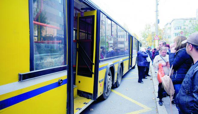 Foto: Autobuzele de pe liniile 5 - 40, 101 C şi 101 M circulă deviat, mâine