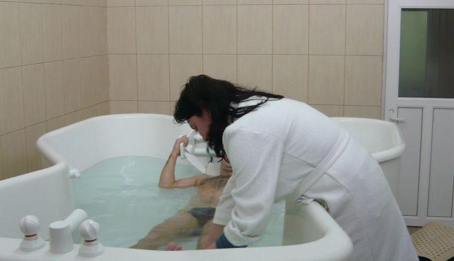 Sanatoriile balneare revin la normalitate. Pensionarii, dornici de tratamente - tratamente1-1623867628.jpg