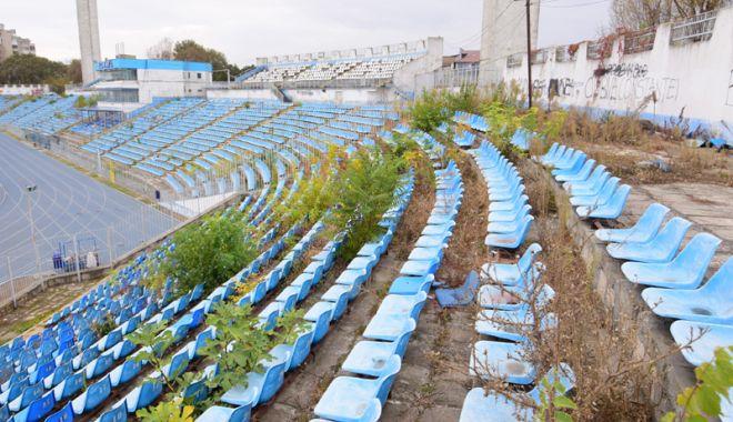 """Foto: Trece stadionul """"Farul"""" la administraţia locală? """"E un proces de lungă durată"""""""