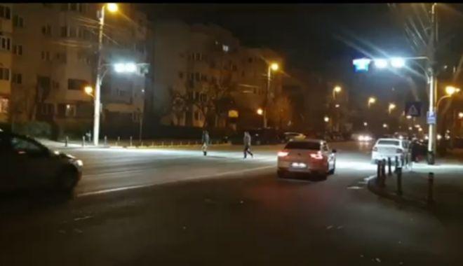 VIDEO. Trecerile de pietoni din Constanţa, iluminate cu proiectoare led