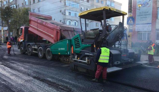 """Foto: Administrația locală reabilitează trecerea de pietoni din zona școlii """"Spectrum"""""""