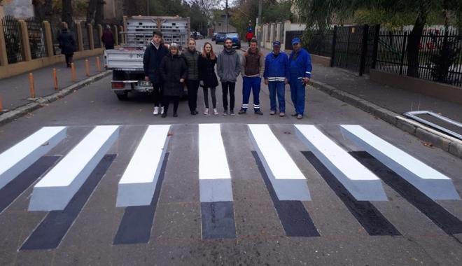 Foto: IMAGINEA ZILEI / AVEM PRIMA TRECERE DE PIETONI 3D!