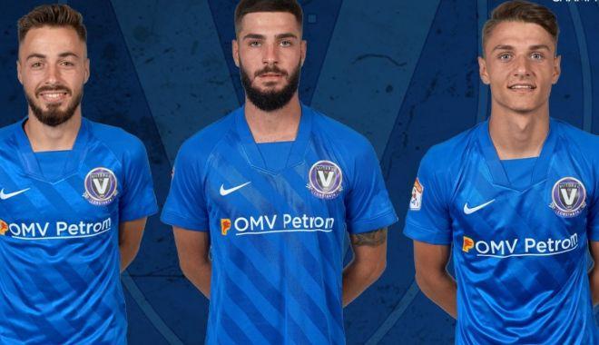 Trei fotbalişti de la FC Viitorul, convocaţi în lotul pentru EURO 2021 - trei-1615819715.jpg