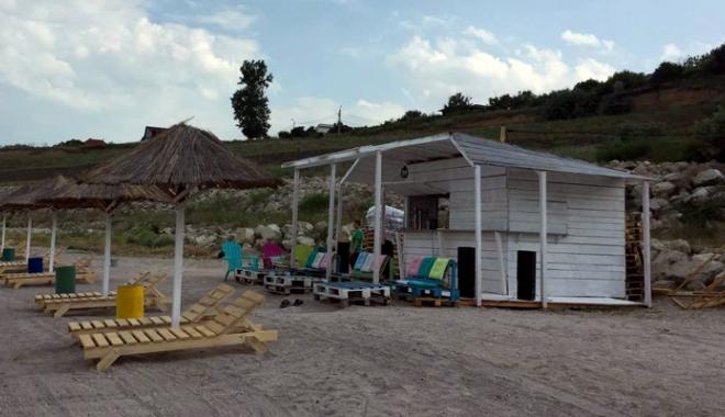 Foto: O plajă din Eforie Sud pe cale de dispariţie,  refăcută şi introdusă în circuitul turistic