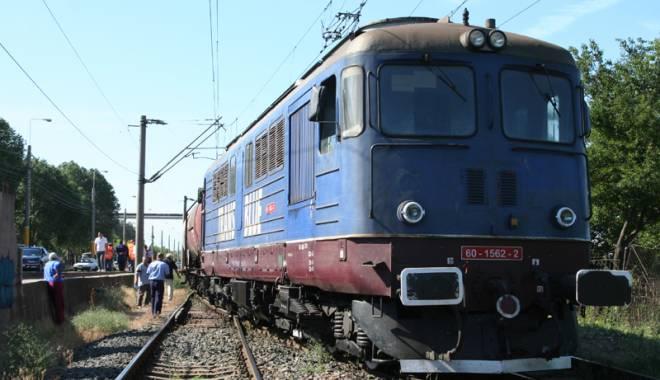 Foto: Tragedie la Valu lui Traian. Femeie tăiată de tren