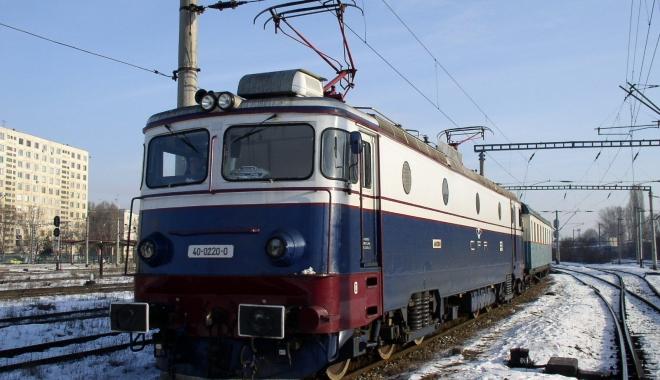 Foto: ATENŢIE CĂLĂTORI! Trenurile circulă cu restricţii