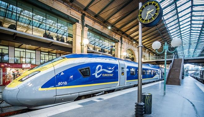 Foto: Trenul Eurostar Paris - Londra,  oprit timp de patru ore