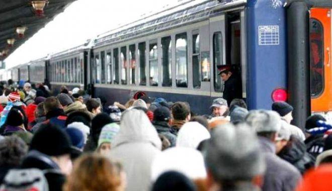 Foto: Cum circulă trenurile pe timpul vizitei Papei Francisc