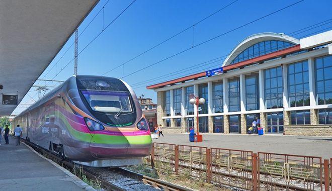 Foto: CFR a introdus în trafic un nou tren pe ruta București- Constanța