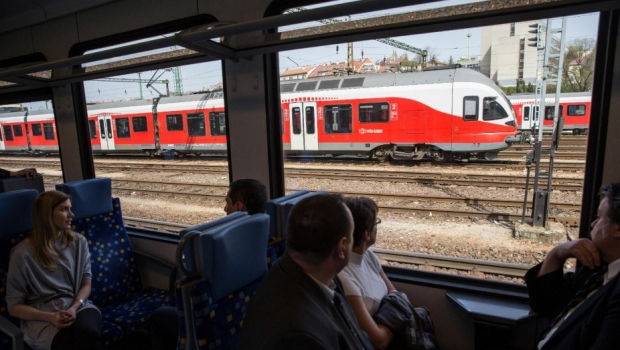 ALERTĂ CU BOMBĂ! Toate trenurile internaţionale sunt verificate - trenungaria57780500-1500464645.jpg