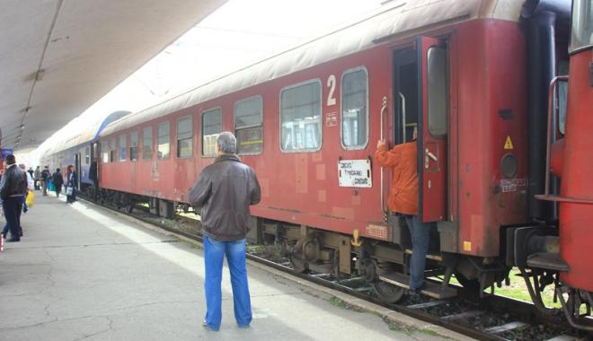 Foto: Trenul Tineretului, în minivacanţa  de 1 Mai, pe litoral