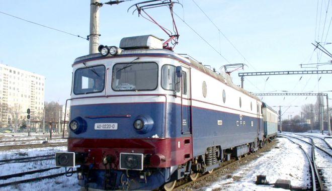 Foto: Trenurile circulă în condiții de iarnă. Trafic restricționat spre Constanța